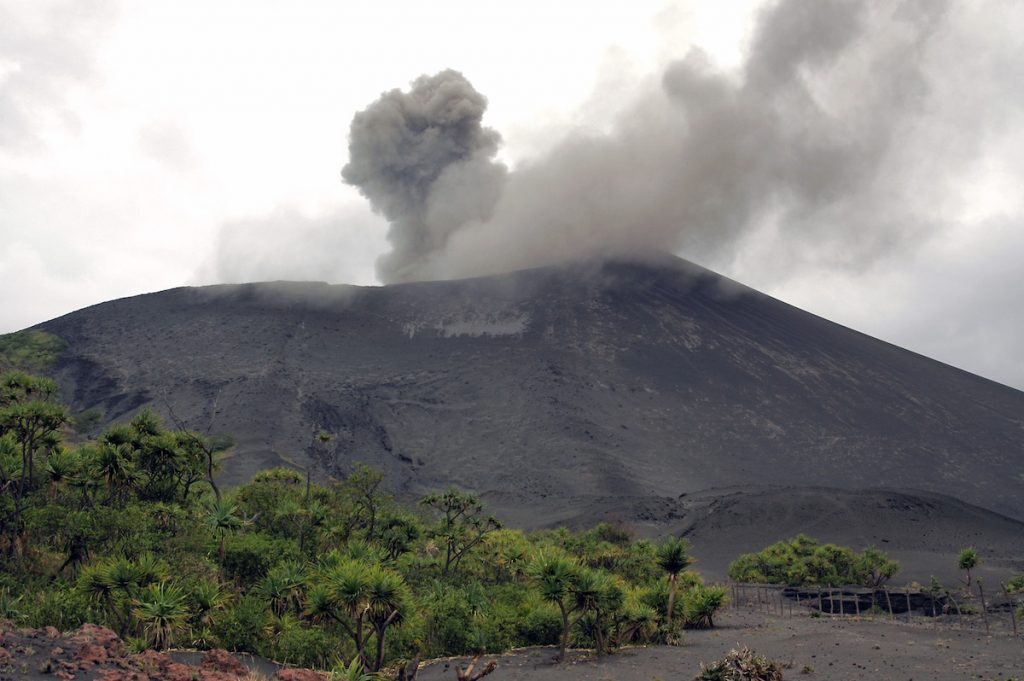 This image has an empty alt attribute; its file name is mount-yasur-erupting-1024x681.jpeg